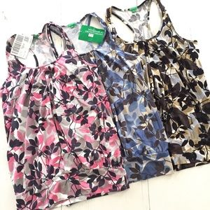 3 United Colors of Benetton Tanks